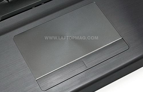 Samsung Series 7 Gamer: Cỗ máy chơi game khổng lồ - 9