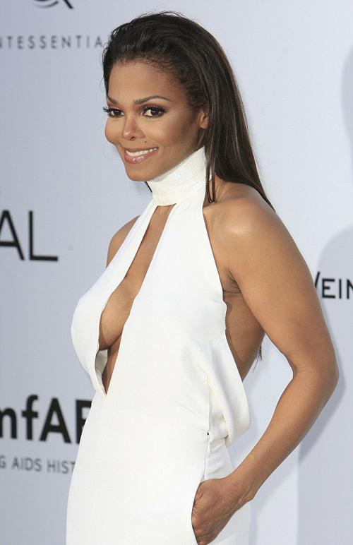 Những khuôn ngực vô duyên nhất Cannes - 2