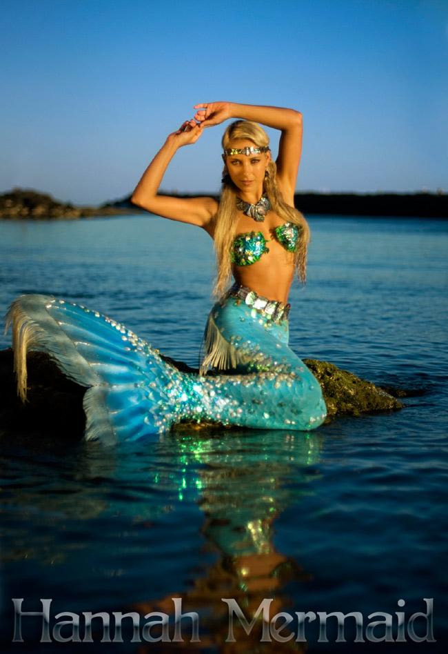Vận động viên bơi lội xinh đẹp người Úc, Hannah Fraser được mệnh danh là  nàng tiên cá .