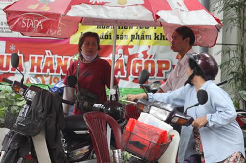 Người Hà Nội mặc áo rét giữa mùa hè - 9