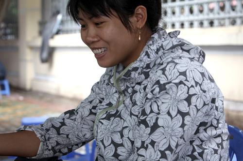 Người Hà Nội mặc áo rét giữa mùa hè - 10