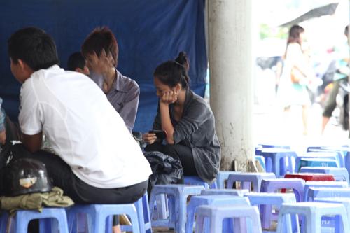 Người Hà Nội mặc áo rét giữa mùa hè - 5