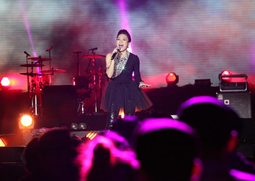 Fans Việt ngất xỉu trong đêm MTV EXIT - 8
