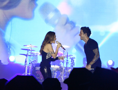 Fans Việt ngất xỉu trong đêm MTV EXIT - 11