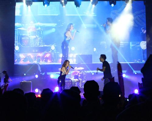 Fans Việt ngất xỉu trong đêm MTV EXIT - 10