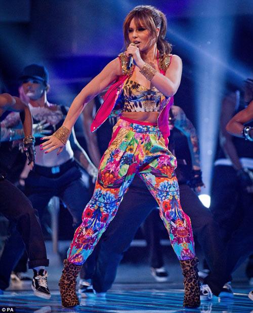 Thót tim vì Cheryl Cole - 4