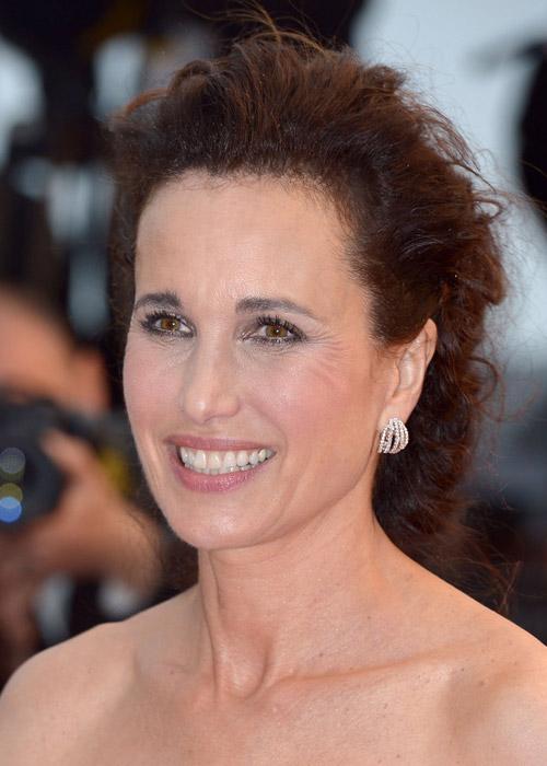 Tò mò ngắm sao trên thảm đỏ bế mạc Cannes - 24