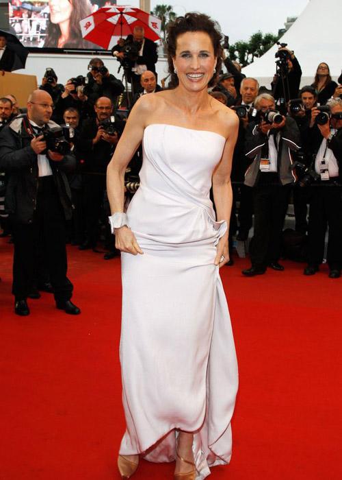 Tò mò ngắm sao trên thảm đỏ bế mạc Cannes - 23