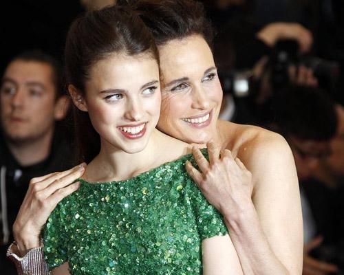 Tò mò ngắm sao trên thảm đỏ bế mạc Cannes - 22