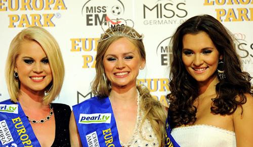 Người đẹp Nga là Hoa hậu EURO 2012 - 7