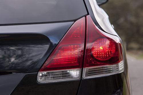Toyota Venza tăng giá từ 5,6 đến 33 triệu đồng - 20