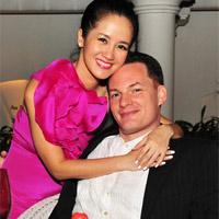 Hồng Nhung đưa hai con sinh đôi về Việt Nam