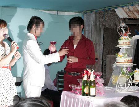 Thêm một đám cưới đồng tính ở miền Tây - 3