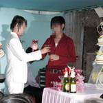 Tin tức trong ngày - Thêm một đám cưới đồng tính ở miền Tây
