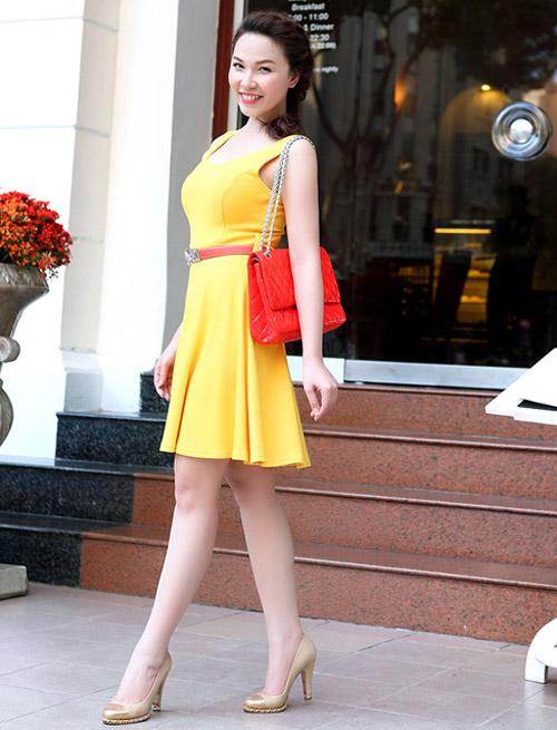 Ngắm Quỳnh Thư mặc đẹp cho dáng chữ nhật - 8