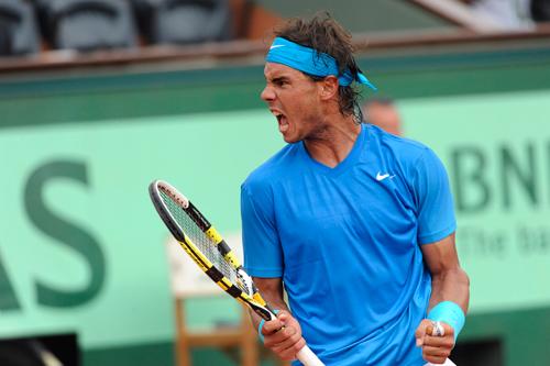 """Nadal & bí mật """"siêu"""" dây vợt - 1"""