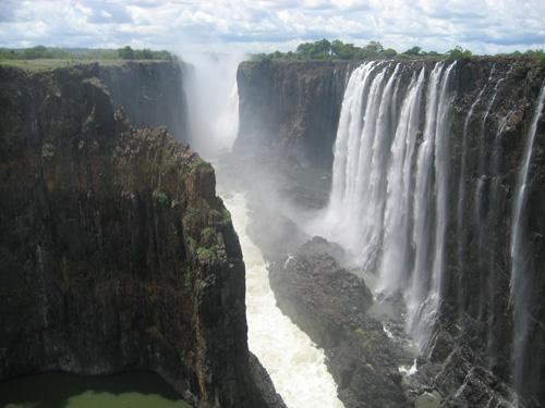 Vẻ đẹp kỳ vĩ của thác nước Victoria - 2