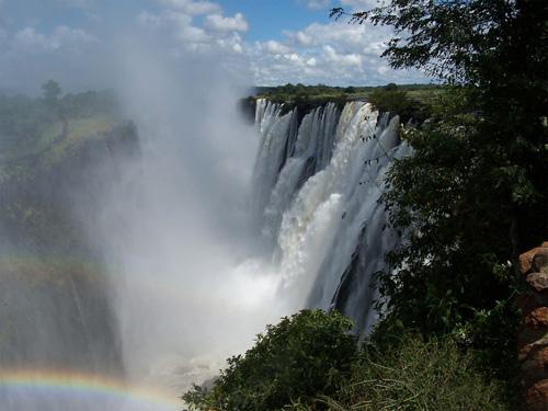 Vẻ đẹp kỳ vĩ của thác nước Victoria - 3