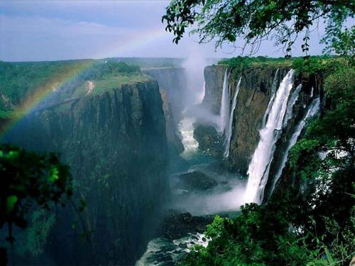 Vẻ đẹp kỳ vĩ của thác nước Victoria - 5