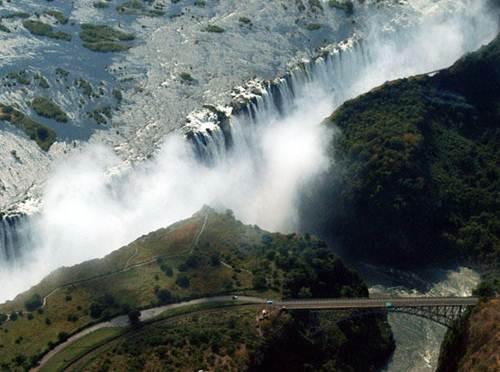 Vẻ đẹp kỳ vĩ của thác nước Victoria - 8