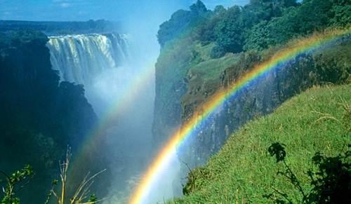 Vẻ đẹp kỳ vĩ của thác nước Victoria - 9