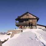 Du lịch - 10 nơi ở kỳ lạ nhất thế giới
