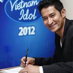 """Ca nhạc - MTV - Huy Khánh có bị """"ném đá"""" vì MC Vietnam Idol?"""