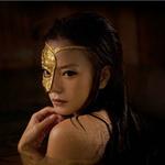 Phim - Triệu Vy khoe vai trần trong Hoạ bì 2