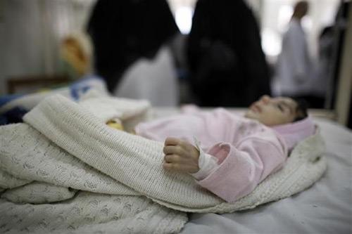 Những đứa trẻ teo tóp đáng thương ở Yemen - 12