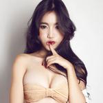 Thời trang - Elly Trần mặc áo rách tả tơi