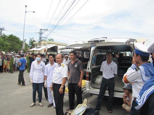 Xe tải tông doanh trại quân đội, 3 người chết - 3