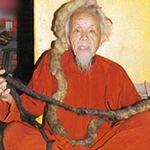 Phi thường - kỳ quặc - Cụ ông Việt có mái tóc dài 4m, nặng 2kg
