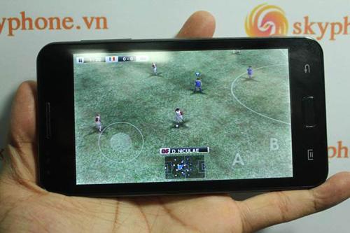 Skyphone VN cho ra mắt chiếc điện thoại lai - 6