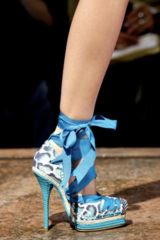 5 kiểu giầy được săn lùng nhất hè 2012 - 9