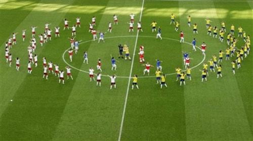 Video: Ấn tượng lễ khai mạc Euro 2012 - 2
