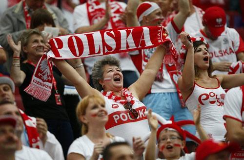 Video: Ấn tượng lễ khai mạc Euro 2012 - 4