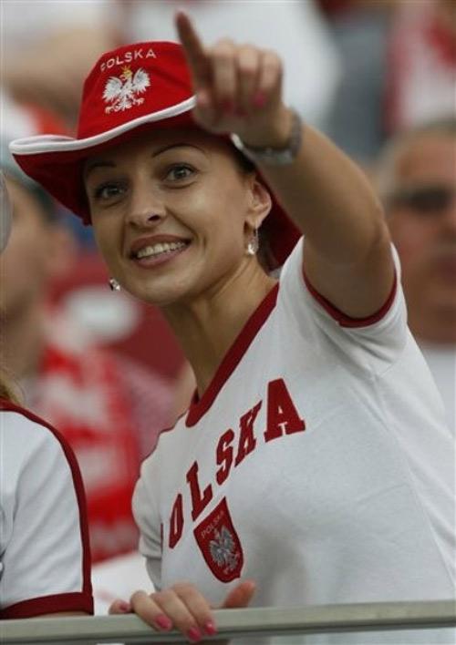 Video: Ấn tượng lễ khai mạc Euro 2012 - 7
