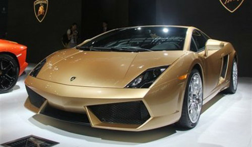 Gallardo LP560-4 Gold Edition: Phin bn  i, Xe xn,  t - Xe my, Lamborghini Gallardo LP560-4 Gold Edition, Lamborghini, Gallardo LP560-4 Gold Edition, gia Lamborghini Gallardo LP560-4 Gold Edition, ra mat Lamborghini Gallardo LP560-4 Gold Edition, o to, sieu xe Lamborghini Gallardo LP560-4 Gold Edition, gia Gallardo LP560-4 Gold Edition, Lamborghini Gallardo LP560-4, Gallardo, tin o to, sieu xe