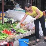 Thị trường - Tiêu dùng - Rẻ như thịt lợn, đắt như rau xanh