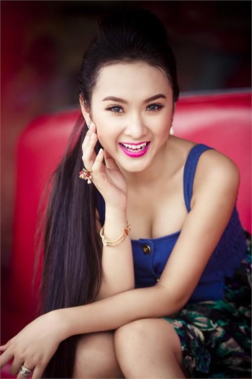 Đôi mắt sáng như Angela Phương Trinh - 1