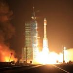 Tin tức trong ngày - Trung Quốc tiếp tục đưa người lên vũ trụ
