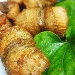 Ẩm thực - Cơm ngon với chả mực bao cá rán vàng
