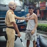 Tin tức trong ngày - CSGT vụt dùi cui vào tài xế giữa phố