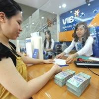 Ngân hàng tăng lãi suất tiền gửi dài hạn