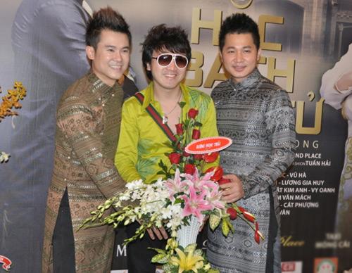 Mặc scandal, Ngân Khánh vẫn đi hát - 8