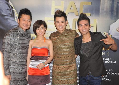Mặc scandal, Ngân Khánh vẫn đi hát - 3