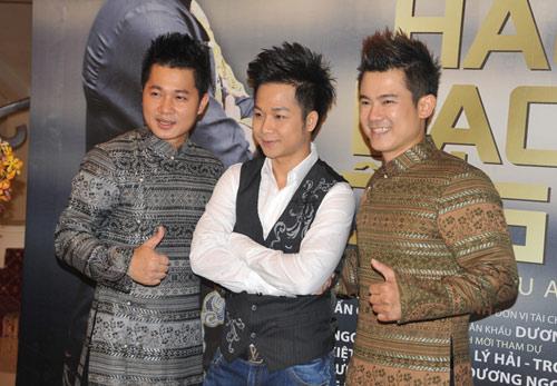 Mặc scandal, Ngân Khánh vẫn đi hát - 7