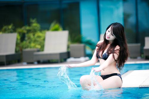 Miss Teen Thu Hà nóng bỏng với bikini - 2