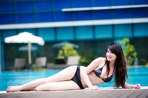 Miss Teen Thu Hà nóng bỏng với bikini - 4