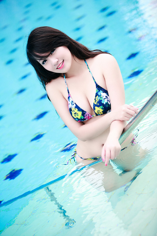 Miss Teen Thu Hà nóng bỏng với bikini - 7